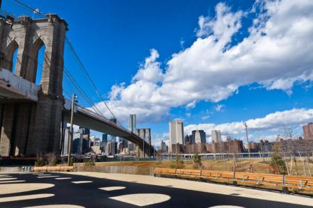 brooklyn-bridge-skyline-shadows-01