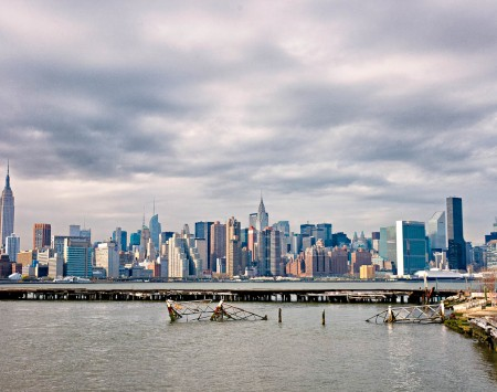 manhattan-skyline-greenpoint-brooklyn-01